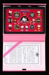 2004年日本HELLO KITTY诞生30周年精制硬币六枚一套、银章一枚,共七枚(含银量:92.5%、原盒、带说明书)