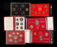 赵涌在线_钱币类_1976年美国硬币六枚、1978年英国硬币六枚、1981年-1989年澳大利亚硬币13枚、1988年-1996年香港硬币七枚(部分带盒、部分带册、部分带章)