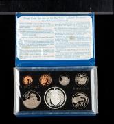 1979年新西兰27.21克银币一枚(含银量:92.5%)、硬币六枚,共七枚(带盒)