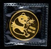 1982年熊猫1/2盎司普制金币一枚